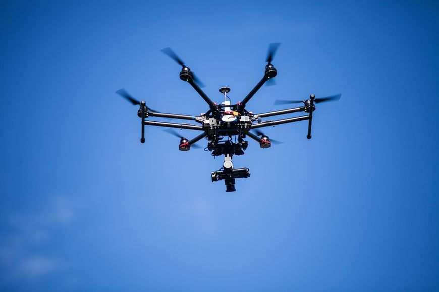 Usługi dronem są obecnie coraz popularniejsze w Polsce