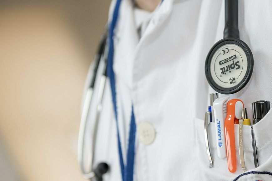 Medyczne fartuchy jednorazowe