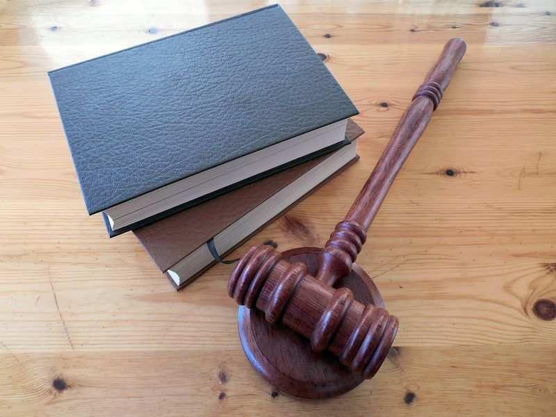 Jak wyszukać adwokata