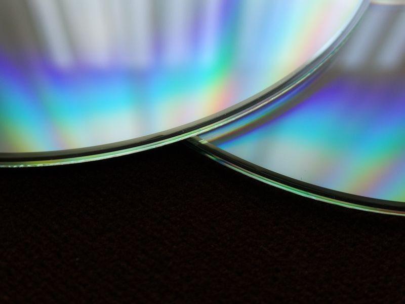 Sprzedaż filmów oraz muzyki za pośrednictwem internetu