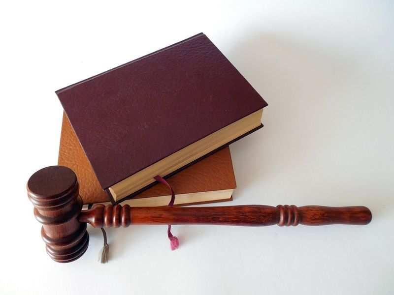 Kiedy naprawdę warto zwrócić się o pomoc do prawnika?