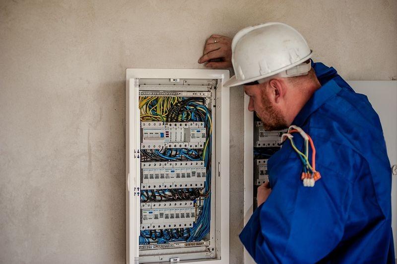 Fachowa firma elektryczna